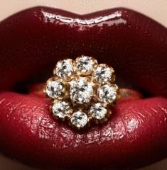 08dba556de8354 Być może diament jest najlepszym przyjacielem kobiety, ale czy inwestora?